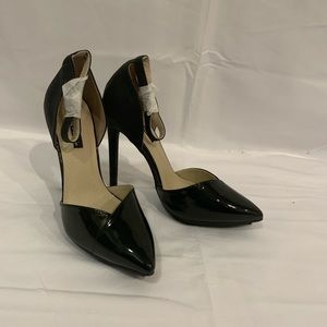 Michael Antonio black patent leather heels Sz 7